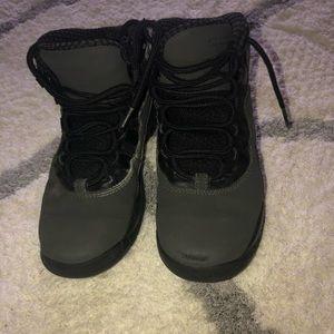 Jordan retro 11 boys charcoal gray size 2